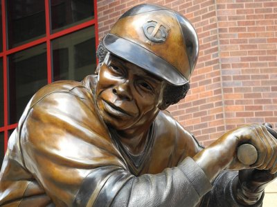 The Sporting Statues Project: Rod Carew: Minnesota Twins, Target