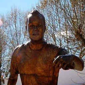 fuentealbilla casa andres iniesta the sporting statues project andr s iniesta calle front n fuentealbilla la mancha