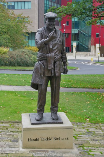 The Sporting Statues Project: Dickie Bird: St Mary's ...